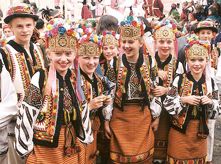 Child's folklore group